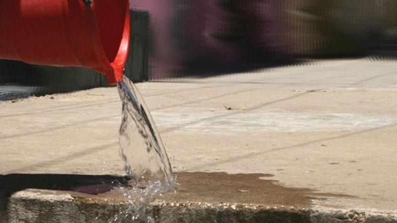 Uso responsable del agua: OSSE recordó la necesidad de ajustarse a los horarios de lavado de vereda y riego de jardines