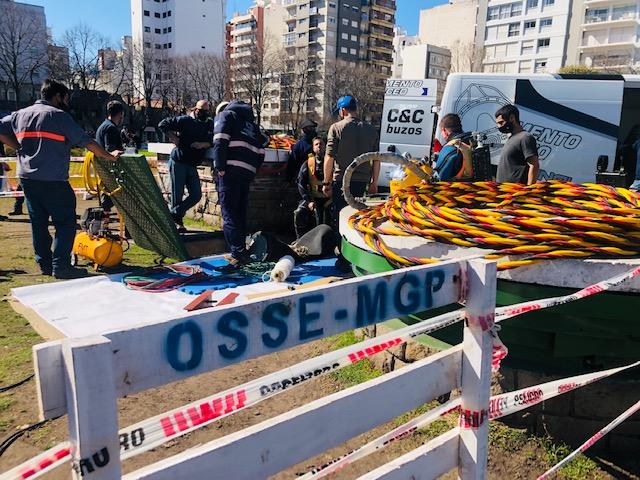 OSSE trabajó con buzos para inspeccionar la Estación Plaza Mitre